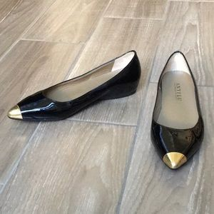 Anyi Lu  Patent Leather Ponted-Toe Slip On Flats.